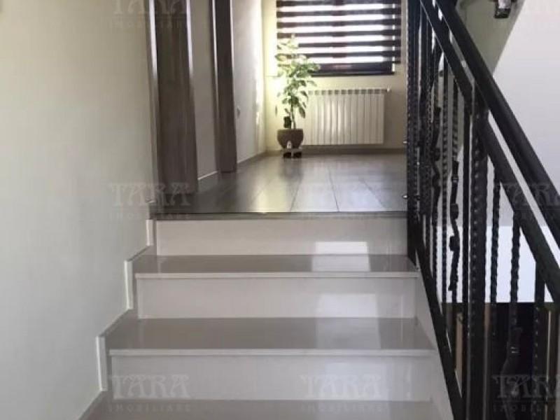 Casa Cu 5 Camere Iris ID V674618 2