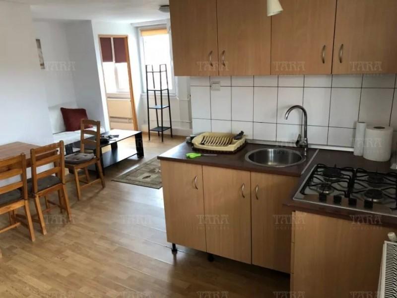 Casa cu 4 camere, Andrei Muresanu