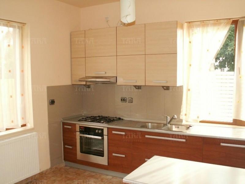 Casa cu 6 camere, Gheorgheni