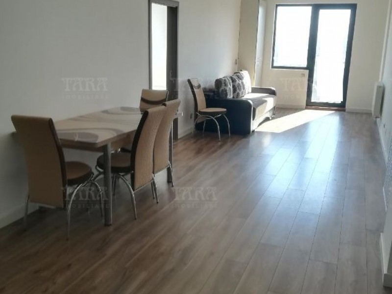 Apartament Cu 3 Camere Semicentral ID V648274 2