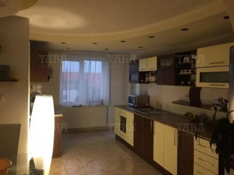 Apartament 7 camere, Zorilor