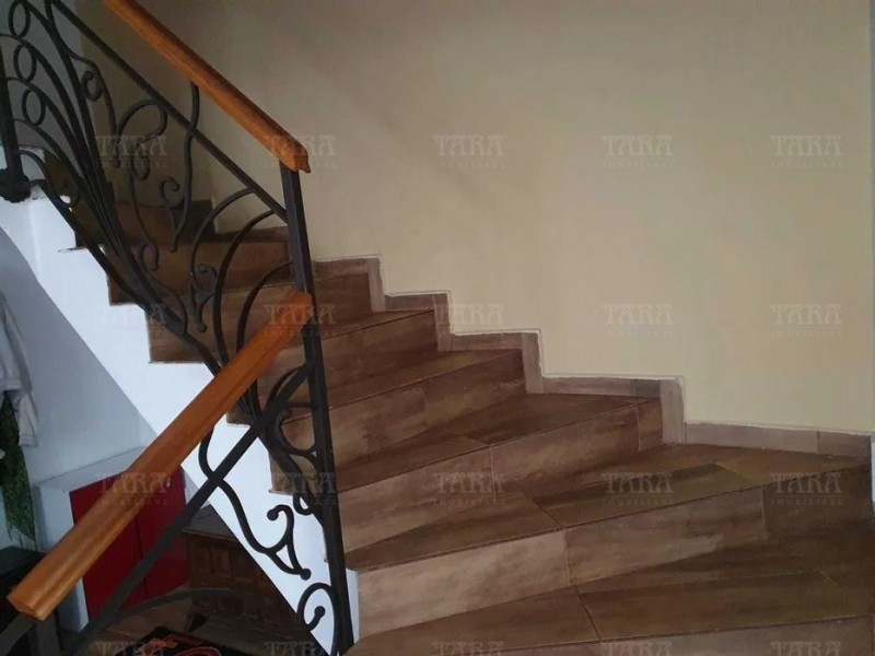 Casa Cu 4 Camere Floresti ID V1053486 3