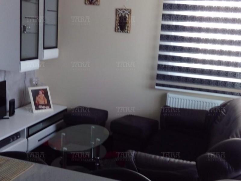 Apartament Cu 3 Camere Dambul Rotund ID V585676 2