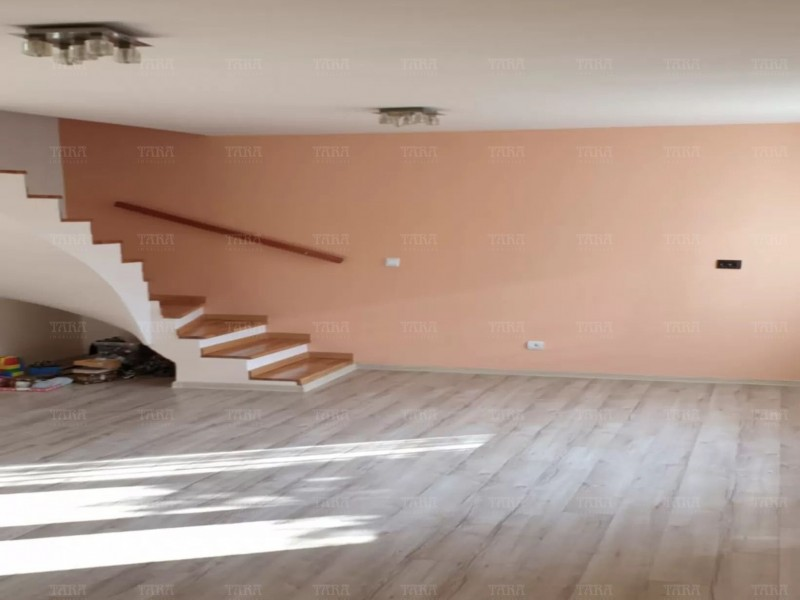 Casa Cu 3 Camere Baciu ID V981477 2