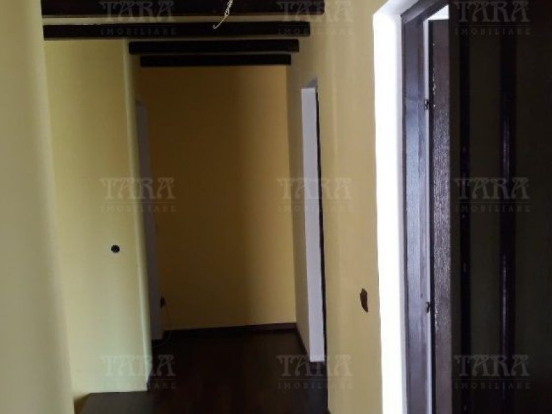 Casa Cu 4 Camere Floresti ID V962580 2
