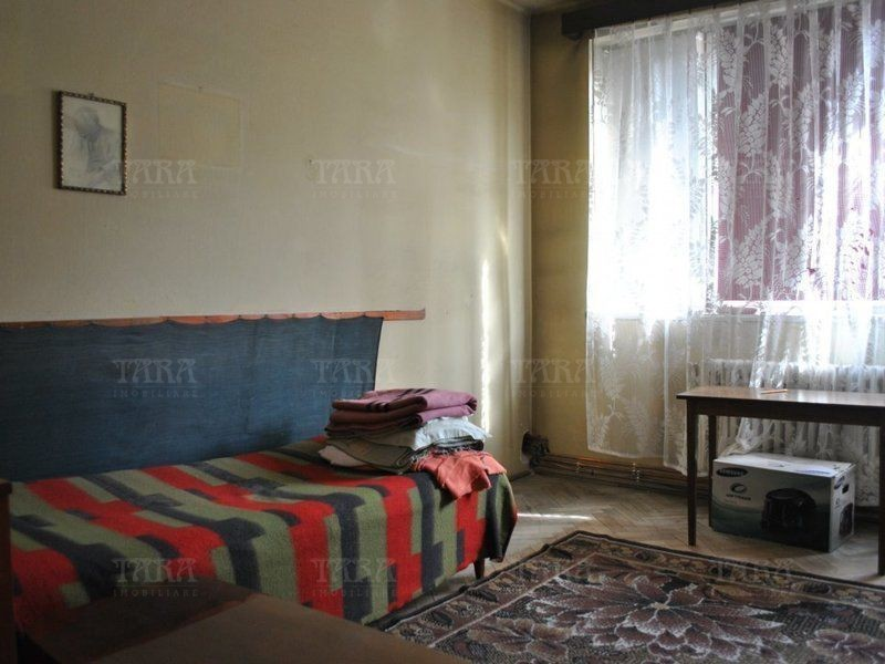 Apartament Cu 3 Camere Semicentral ID V809132 3