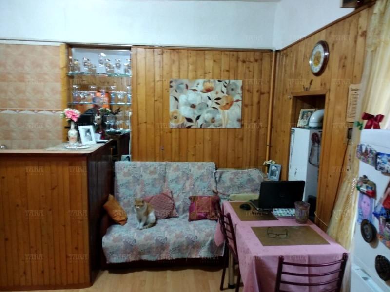 Casa cu 3 camere, Ultracentral