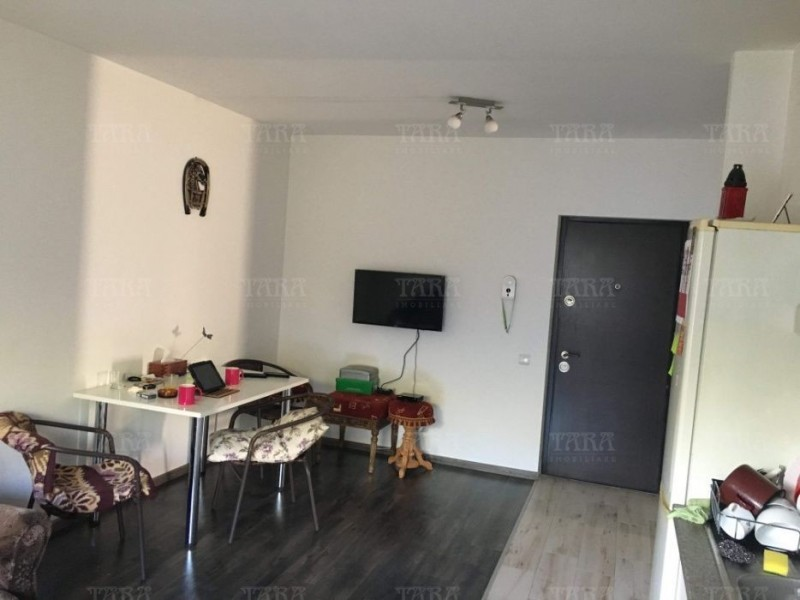 Apartament Cu 3 Camere Floresti ID V558937 3