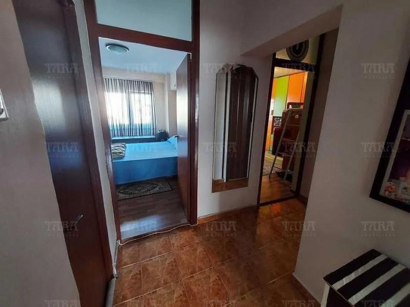Apartament Cu 3 Camere Semicentral ID V1244828 5