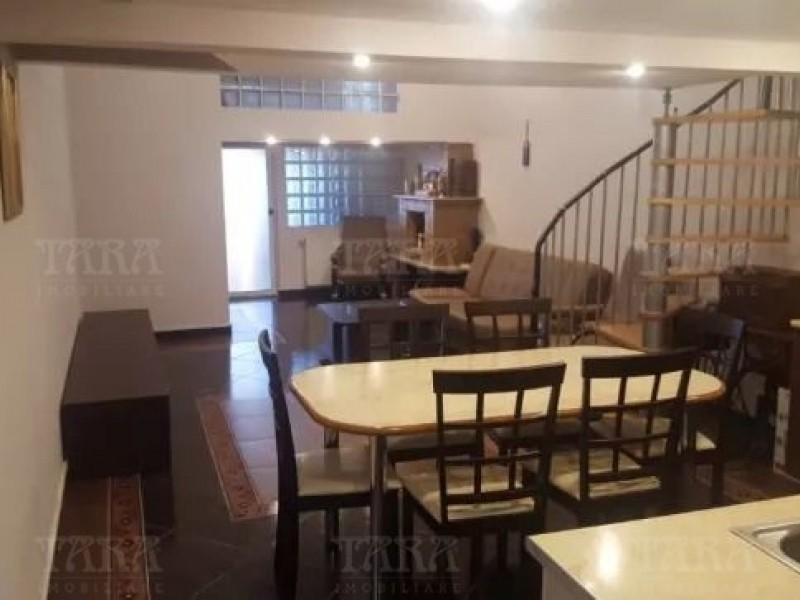 Apartament Cu 3 Camere Semicentral ID V700269 2