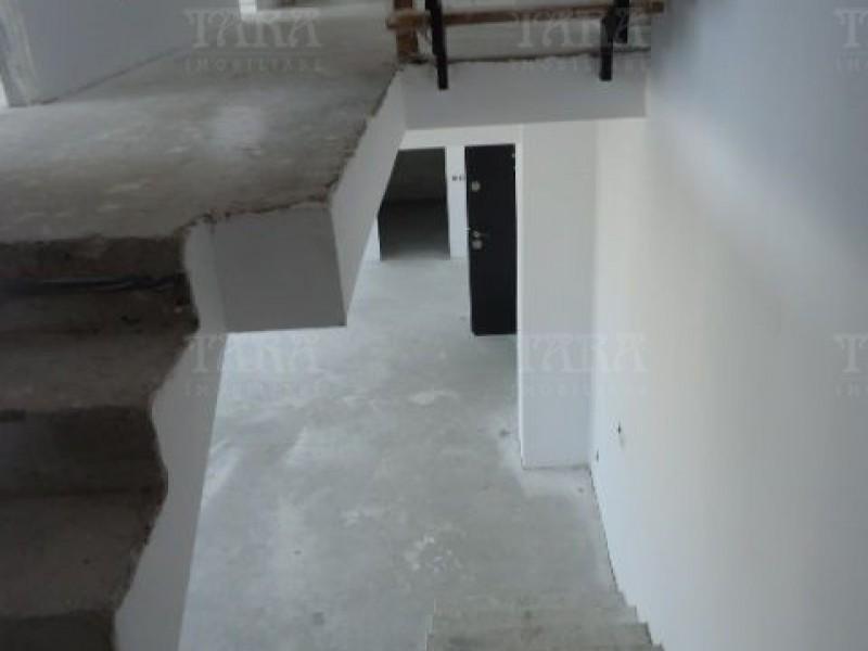 Apartament Cu 4 Camere Semicentral ID V7964 7