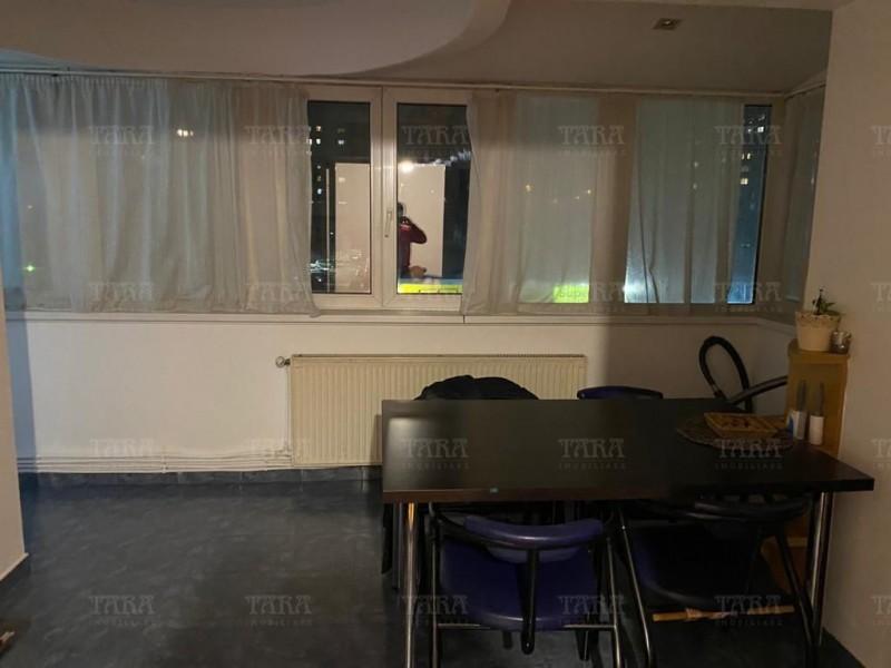 Apartament Cu 4 Camere Semicentral ID V1098019 14