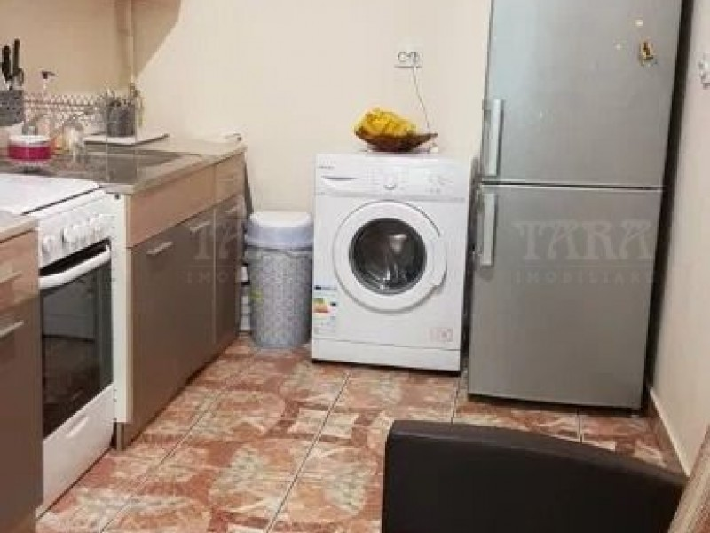 Apartament 1 camera, Semicentral