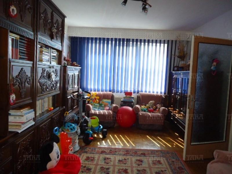 Apartament Cu 3 Camere Semicentral ID V366457 2