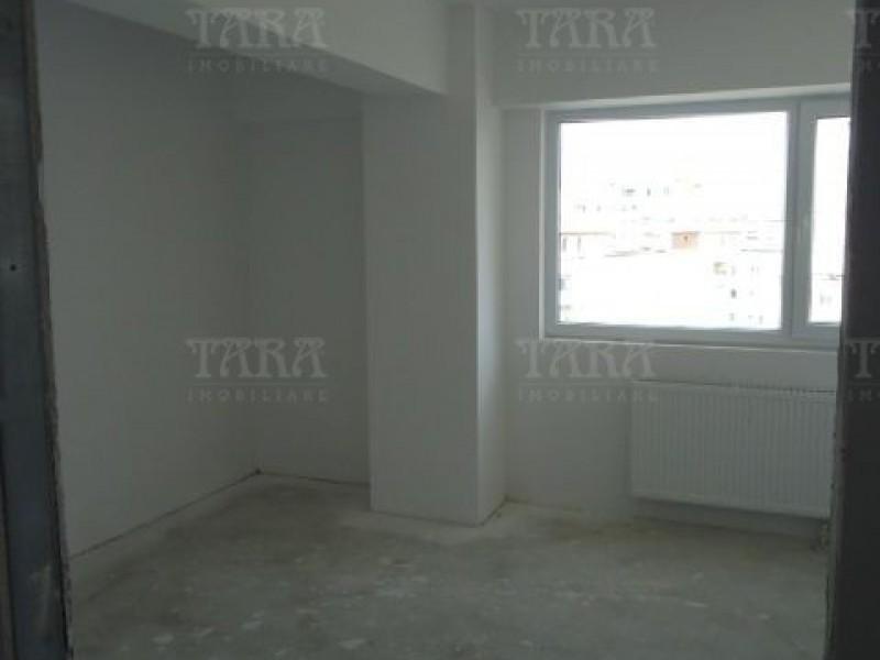Apartament Cu 4 Camere Semicentral ID V7964 3
