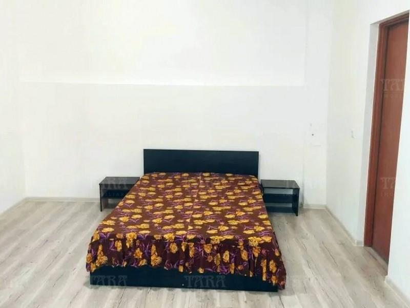Casa Cu 3 Camere Semicentral ID V1095023 2