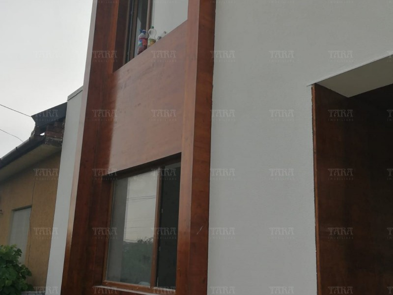 Casa cu 11 camere, Dambul Rotund