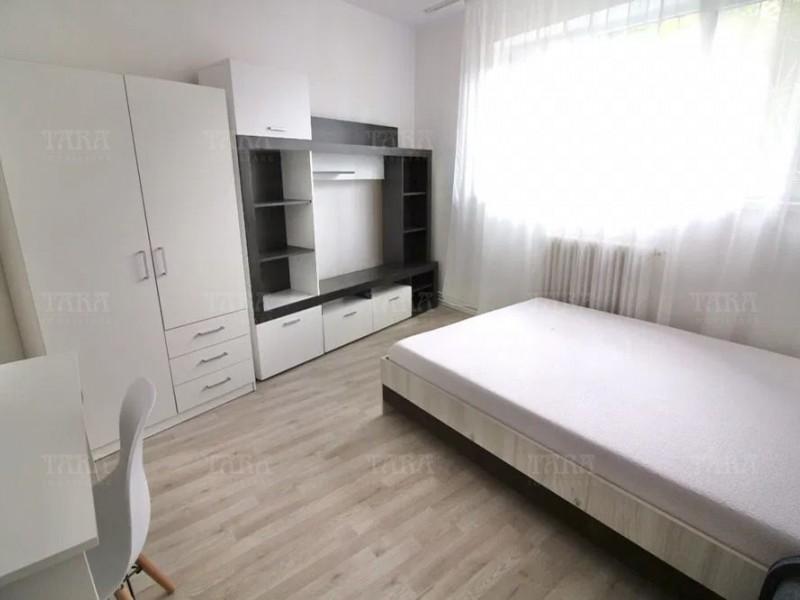 Apartament Cu 3 Camere Semicentral ID V1006154 4