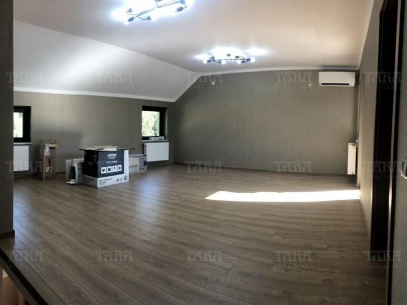 Casa cu 3 camere, Semicentral