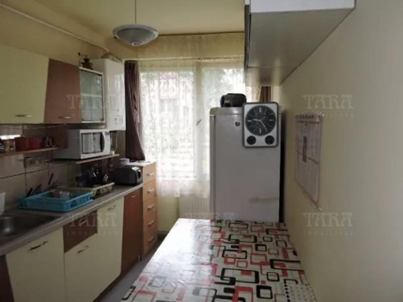 Apartament Cu 3 Camere Semicentral ID V626575 2