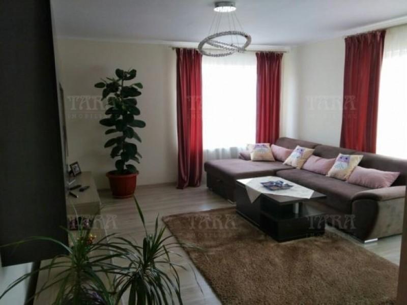 Apartament Cu 3 Camere Floresti ID V498035 2