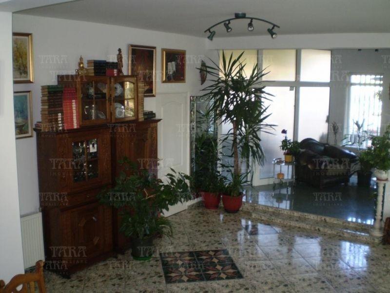 Casa cu 8 camere, Gheorgheni