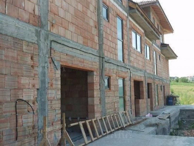 Casa cu 4 camere, Borhanci