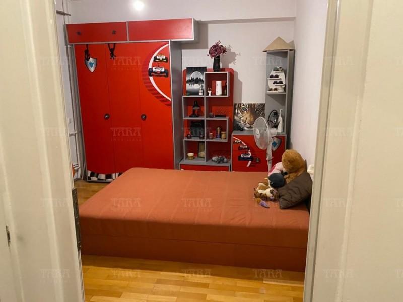 Apartament Cu 4 Camere Semicentral ID V1098019 7