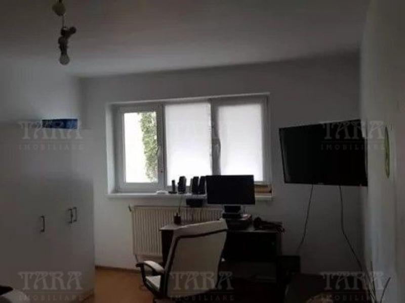 Apartament 3 camere, Gruia