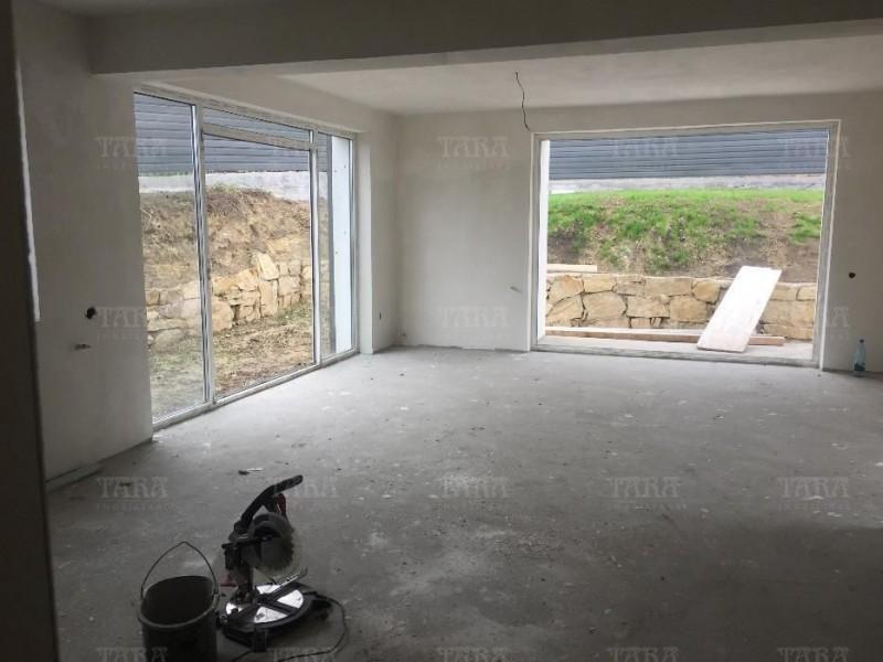 Casa Cu 4 Camere Iris ID V351472 2