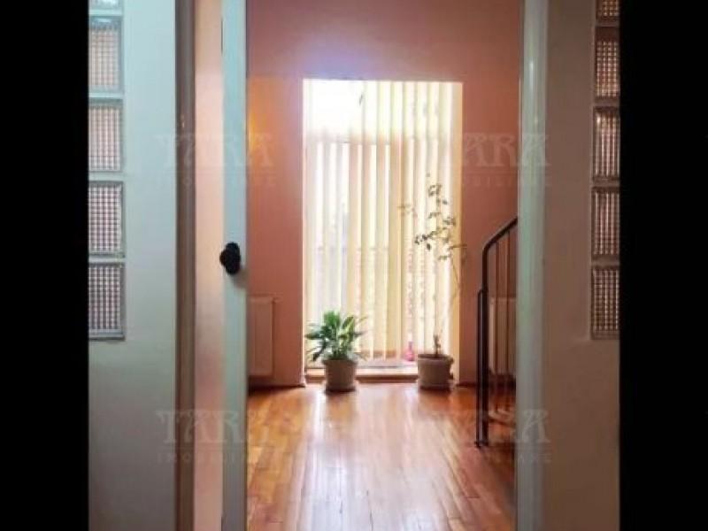Apartament Cu 3 Camere Semicentral ID V700269 6