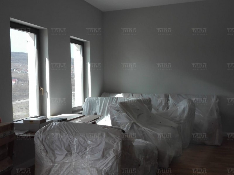 Casa Cu 5 Camere Iris ID I672144 4