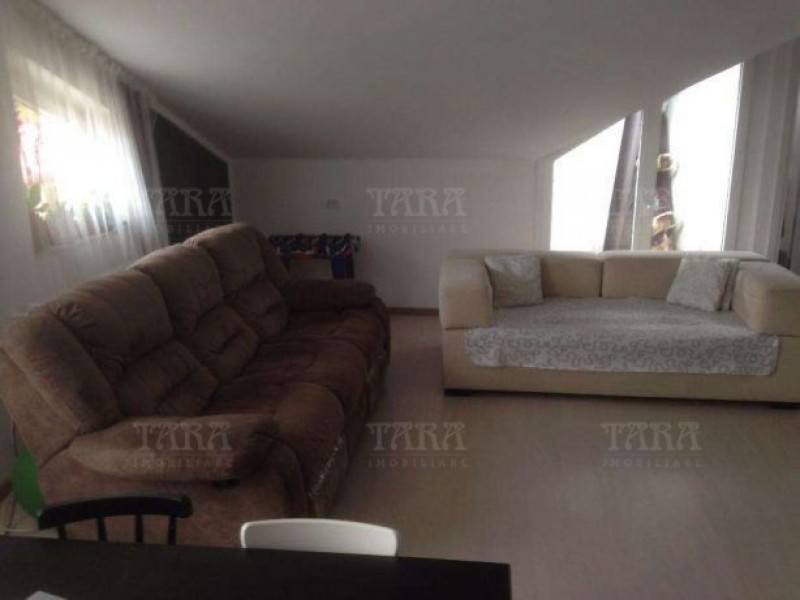 Apartament Cu 3 Camere Floresti ID V476089 3