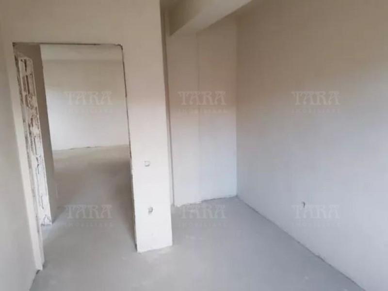 Apartament Cu 3 Camere Floresti ID V718501 2