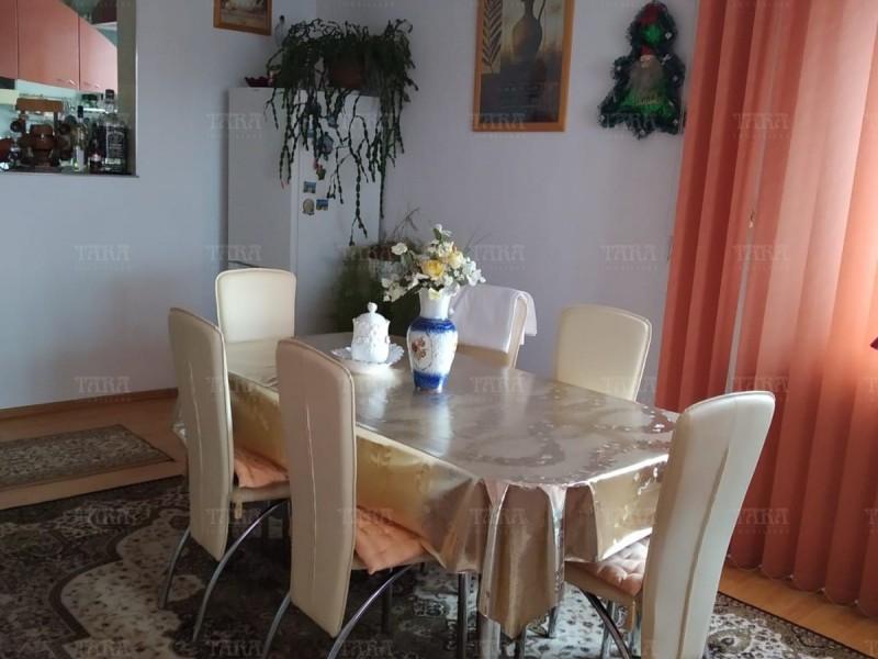 Casa Cu 5 Camere Dambul Rotund ID V257540 3