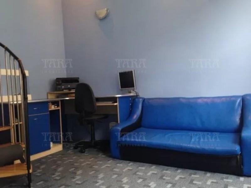 Apartament Cu 3 Camere Semicentral ID V700269 3