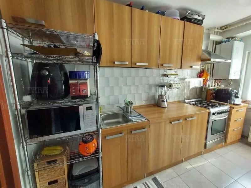 Apartament Cu 3 Camere Semicentral ID V1244828 3