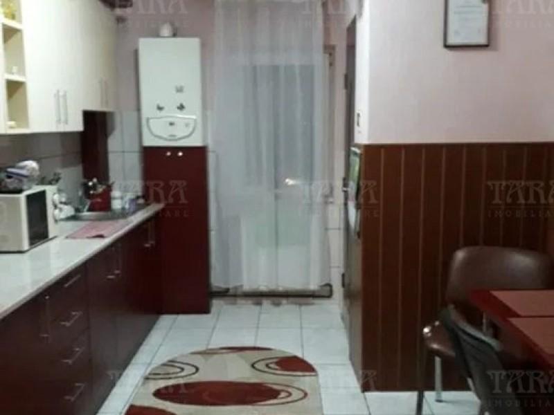 Apartament 3 camere, Apahida