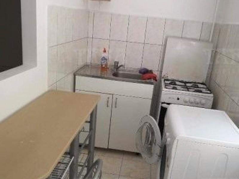 Apartament Cu 3 Camere Semicentral ID V439900 3