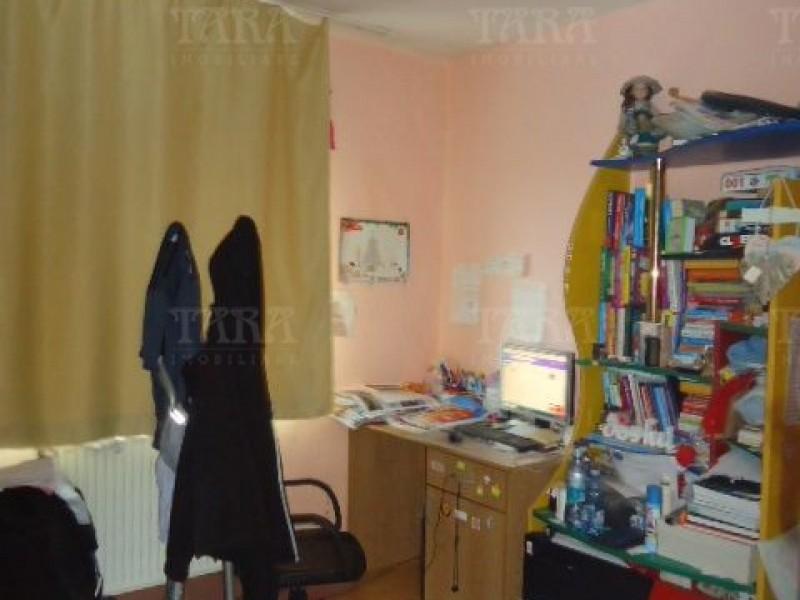Apartament Cu 4 Camere Dambul Rotund ID V972864 4