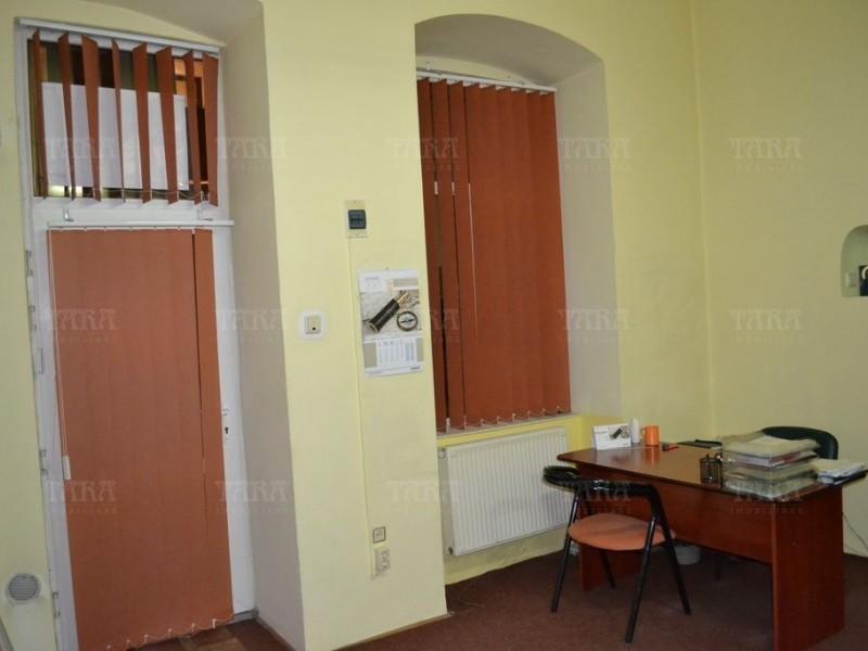 Apartament Cu 5 Camere Ultracentral ID V271013 3