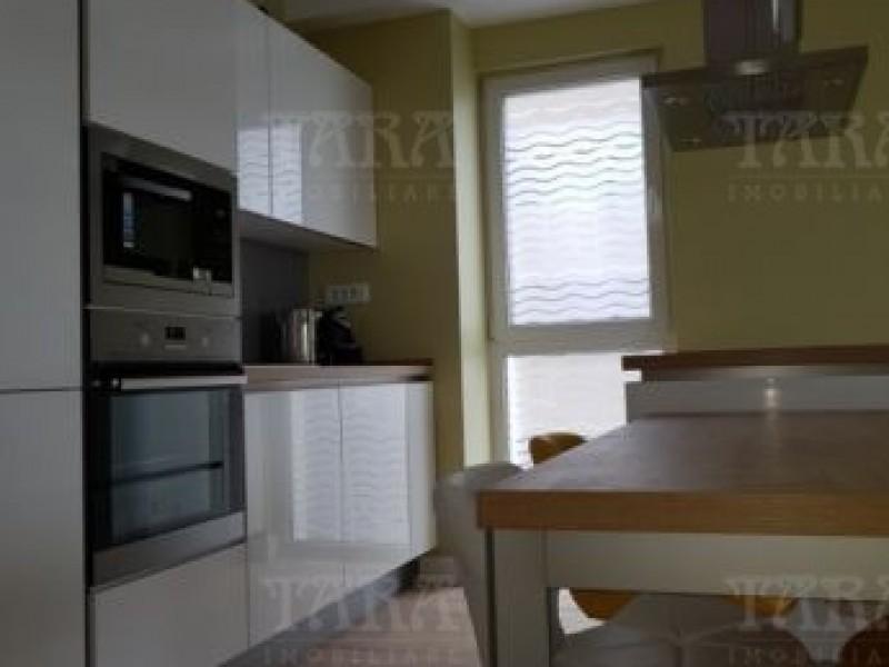 Apartament Cu 3 Camere Semicentral ID V491001 3