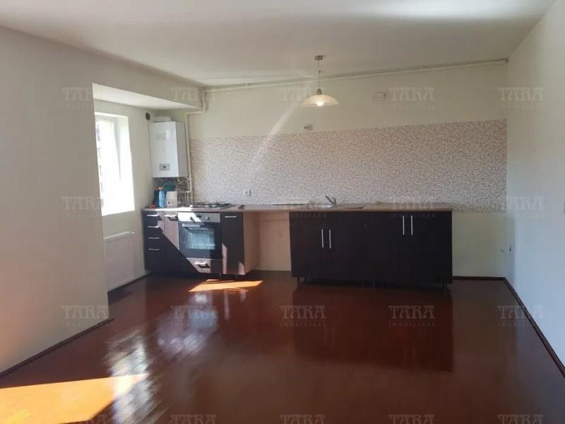 Apartament cu 5 camere, Floresti