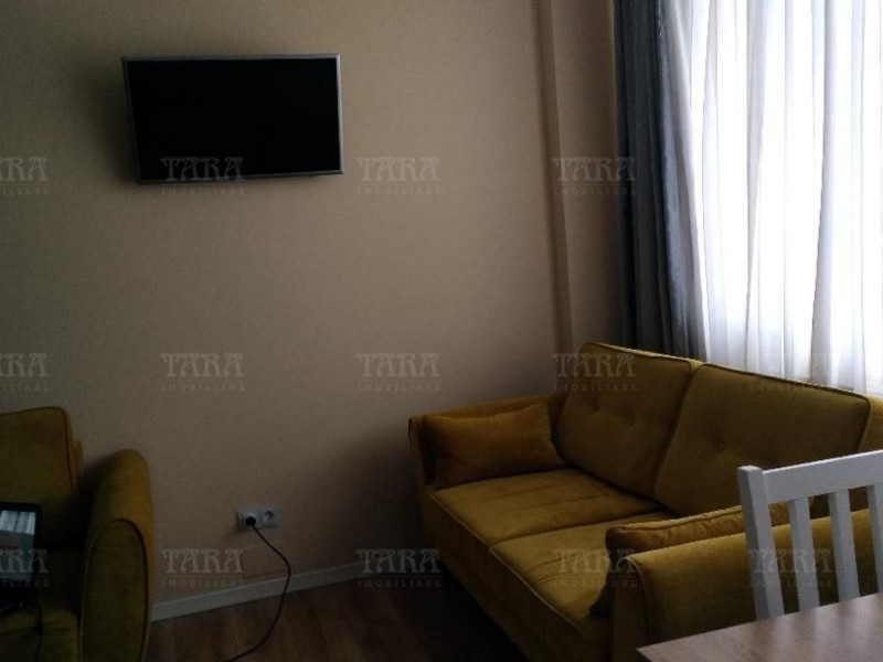 Apartament 2 camere, Vest