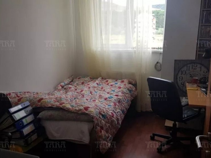 Apartament Cu 4 Camere Floresti ID V487814 3