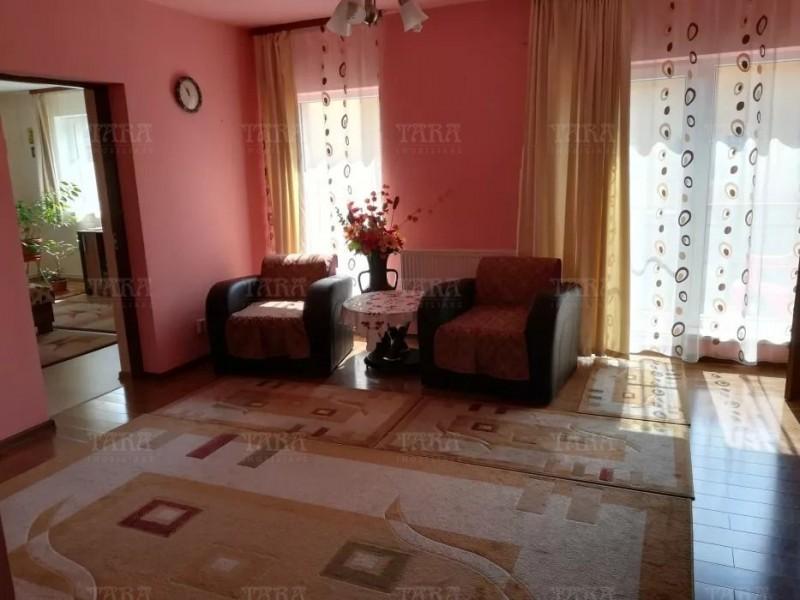 Casa Cu 6 Camere Iris ID V648084 2