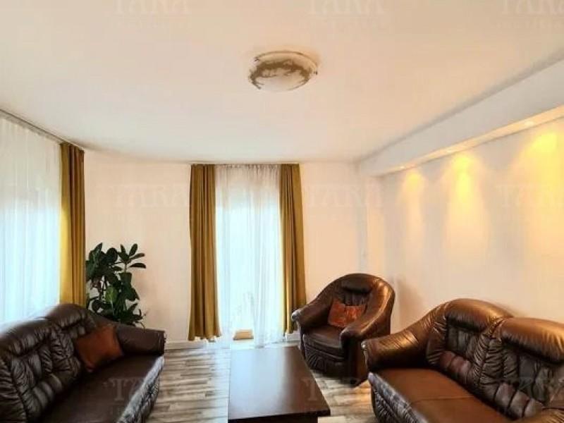 Casa Cu 6 Camere Europa ID V1120972 2