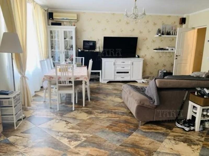 Apartament Cu 3 Camere Borhanci ID V715508 2