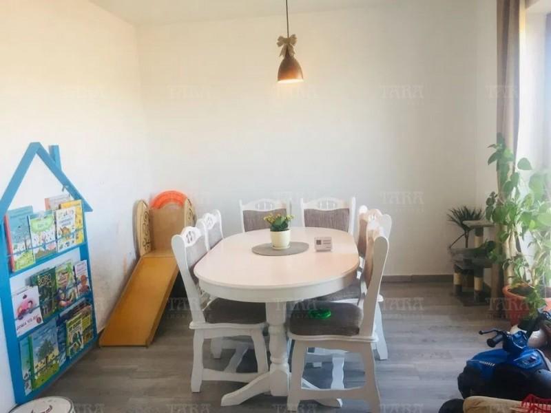 Casa Cu 6 Camere Floresti ID V1149522 3