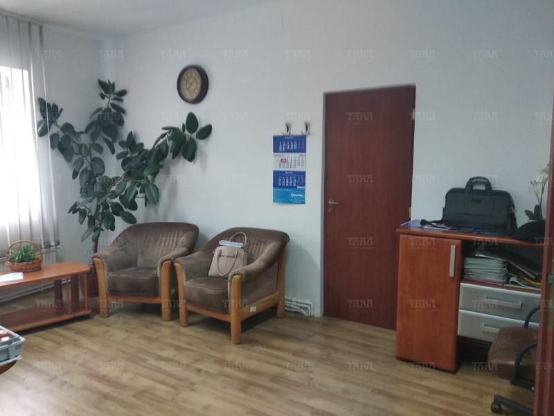 Casa cu 4 camere, Semicentral